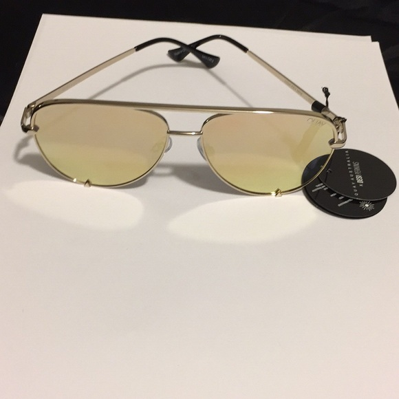 bf03dd4643 QUAY AUSTRALIA sunglasses BNWT